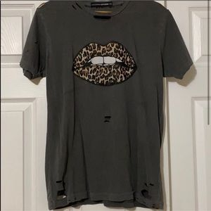 Distressed leopard lips graphic tee